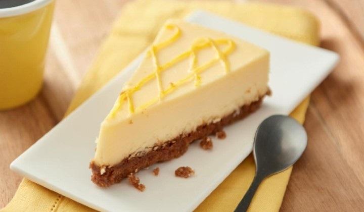 チーズケーキ(レモン風味)