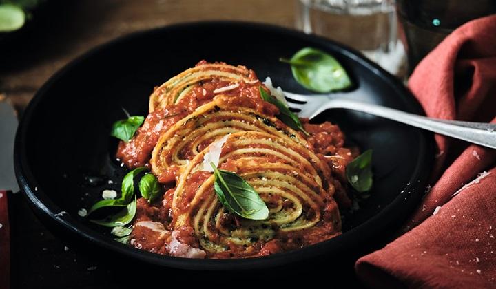 リコッタとほうれん草のロトリーニ トマトソース