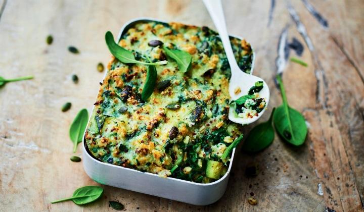 緑の野菜とシリアルのグラタン、マスカルポーネソース