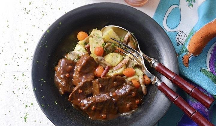 牛肉の赤ワイン煮 野菜添え
