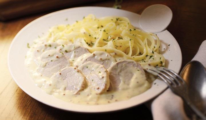 豚肉のマスタード風味とタリアテッレ