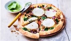 クルミ、ハチミツ、シェーブルチーズのピッツァ