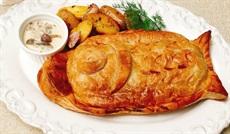 サーモンのパイ包み焼きシャンピニョンソース