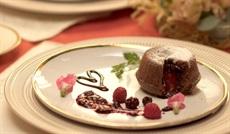モアローショコラ 赤いフルーツのソース